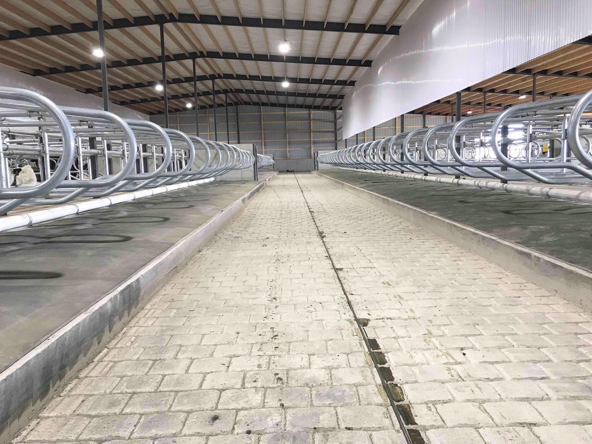 DIEDERICH FARM ROBOT BARN - DE PERE, WISCONSIN