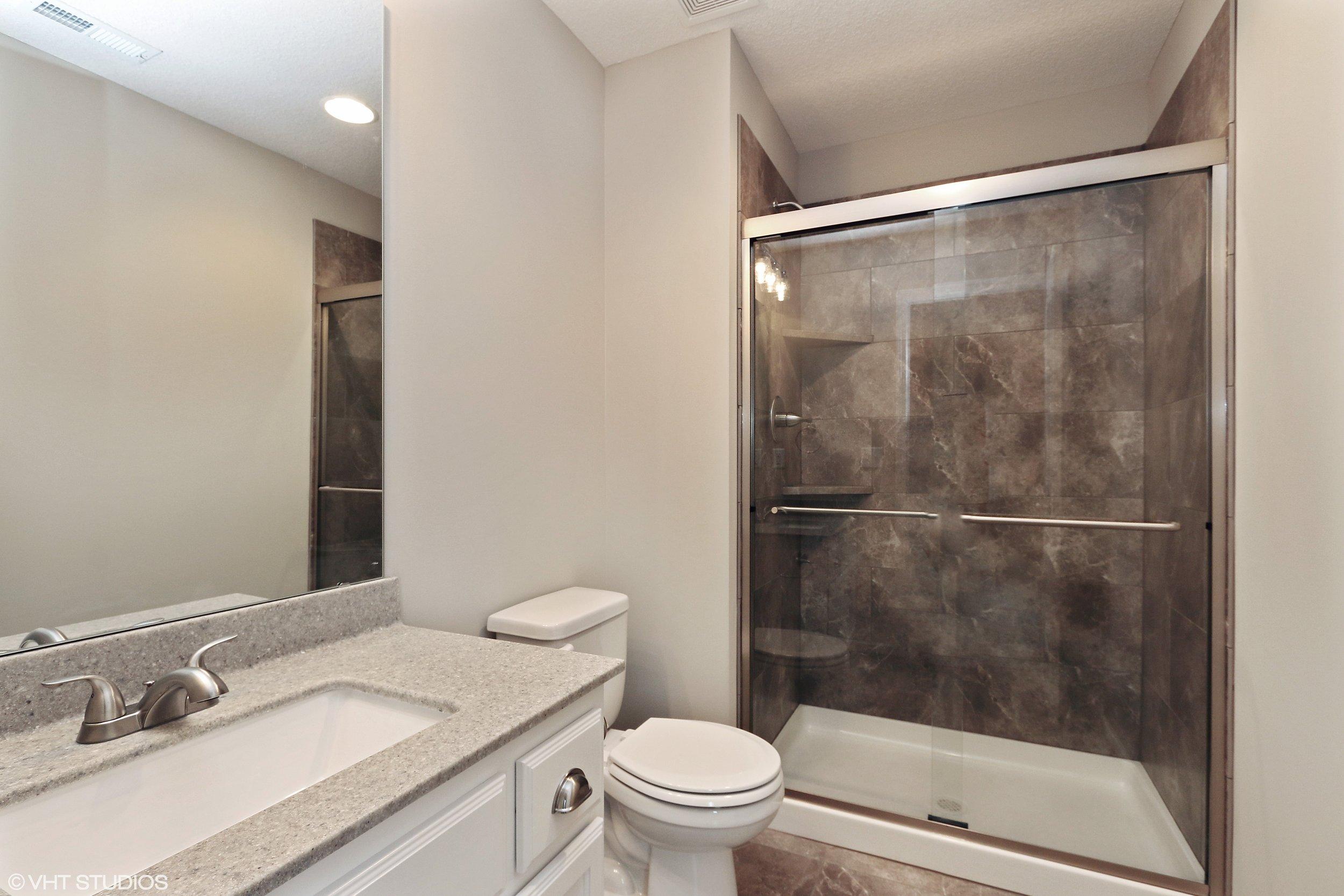 21_211SWRooseveltRidge_8_Bathroom_HiRes.jpg