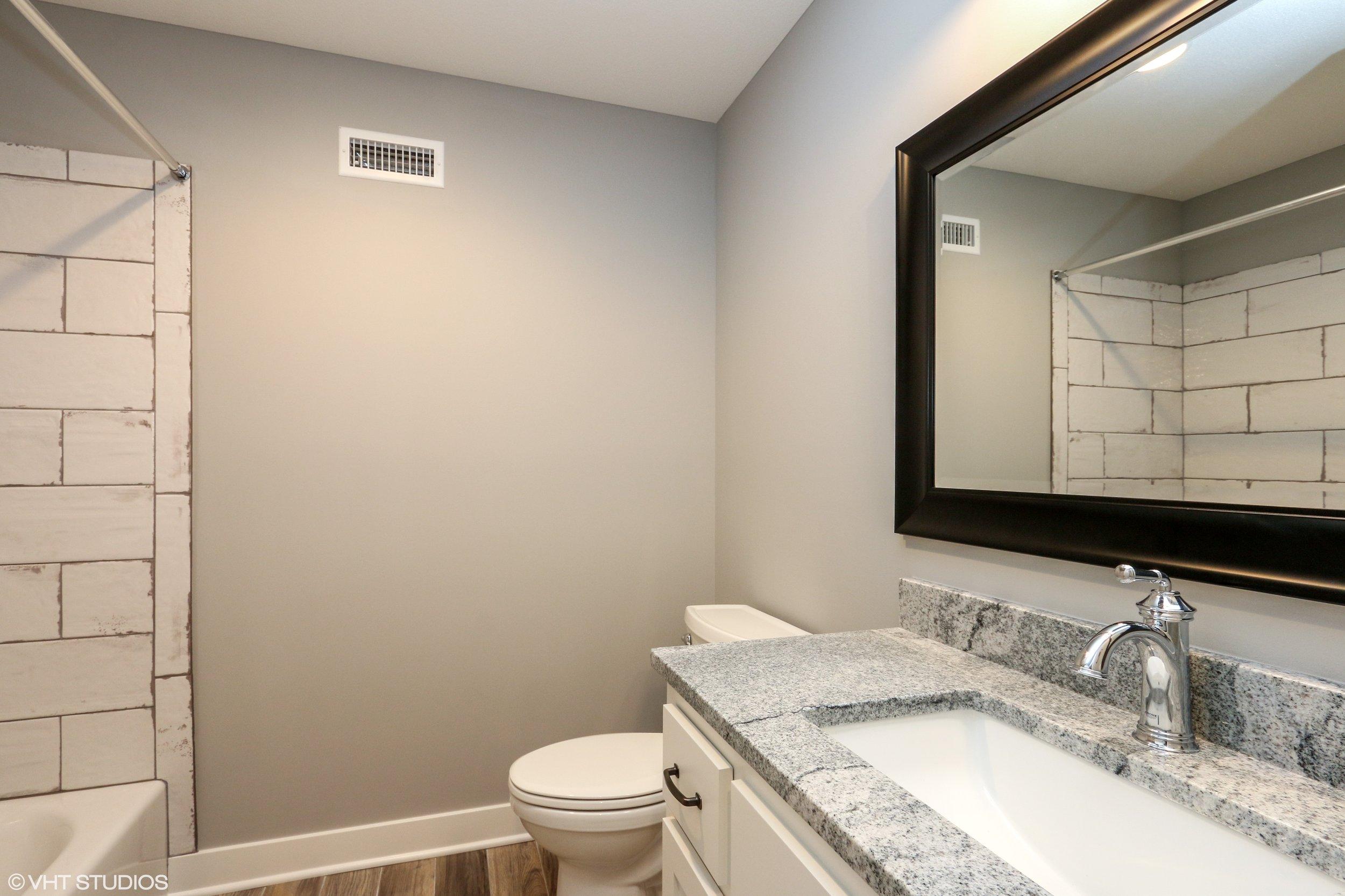19_207SE4thSt_8_Bathroom_HiRes.jpg