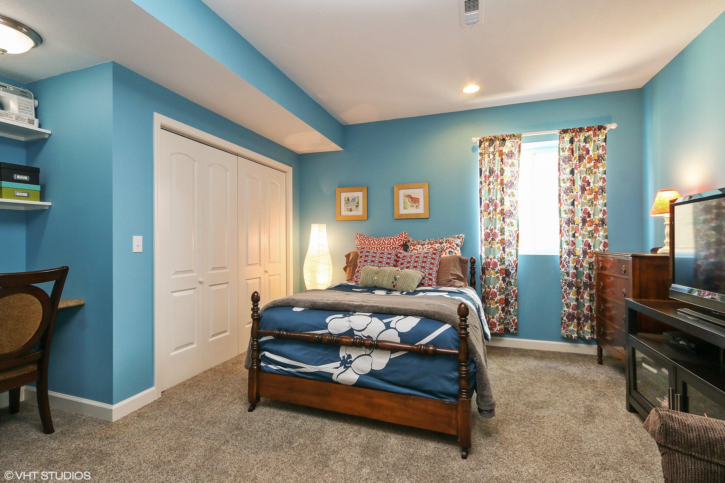 16_3336SWArena_18_Bedroom_HiRes.jpg