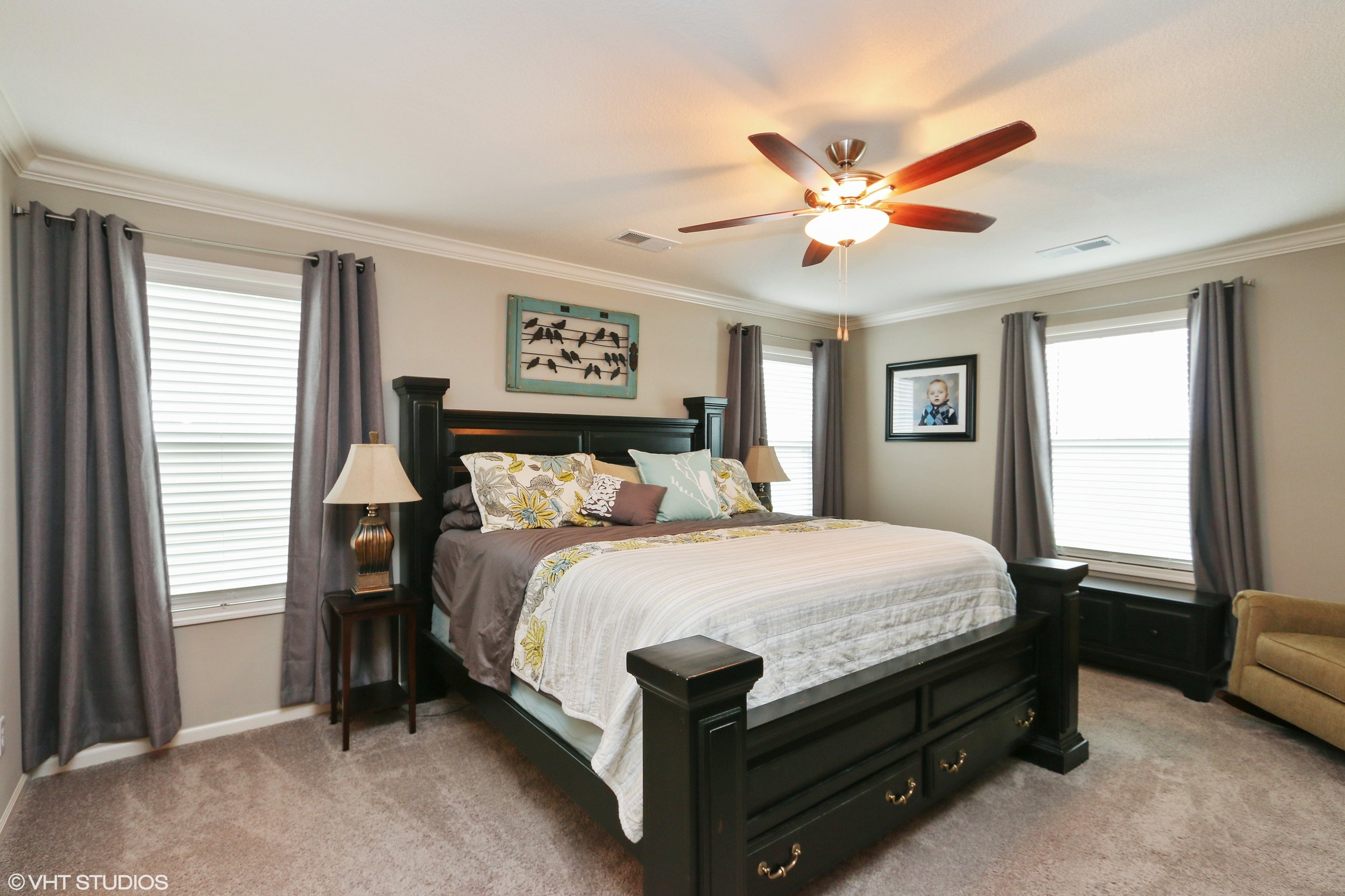 13_3304SWArenaSteet_14_MasterBedroom_HiRes.jpg