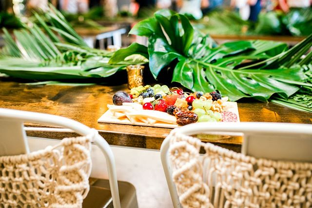 Tropical leaves, macrame and a charcuterie board. What else does a reception need? ⠀⠀⠀⠀⠀⠀⠀⠀⠀ 📷: @saraellenphotography ⠀⠀⠀⠀⠀⠀⠀⠀⠀ 🌿: @bloomprintflorals ⠀⠀⠀⠀⠀⠀⠀⠀⠀ 🍽: @smokeandbrineco⠀⠀⠀⠀⠀⠀⠀⠀⠀ .⠀⠀⠀⠀⠀⠀⠀⠀⠀ .⠀⠀⠀⠀⠀⠀⠀⠀⠀ .⠀⠀⠀⠀⠀⠀⠀⠀⠀ .⠀⠀⠀⠀⠀⠀⠀⠀⠀ .⠀⠀⠀⠀⠀⠀⠀⠀⠀ #sandiegowedding #sandiegobride #instawed #weddinginspo #sandiegoweddingvenue #weddingreception #sdweddingplanner⠀⠀⠀⠀⠀⠀⠀⠀⠀ #tropicalwedding #weddinginspiration⠀⠀⠀⠀⠀⠀⠀⠀⠀ #weddingflowers #weddingdesign⠀⠀⠀⠀⠀⠀⠀⠀⠀ #weddingday #weddingdecor #weddings⠀⠀⠀⠀⠀⠀⠀⠀⠀ #weddingdetails