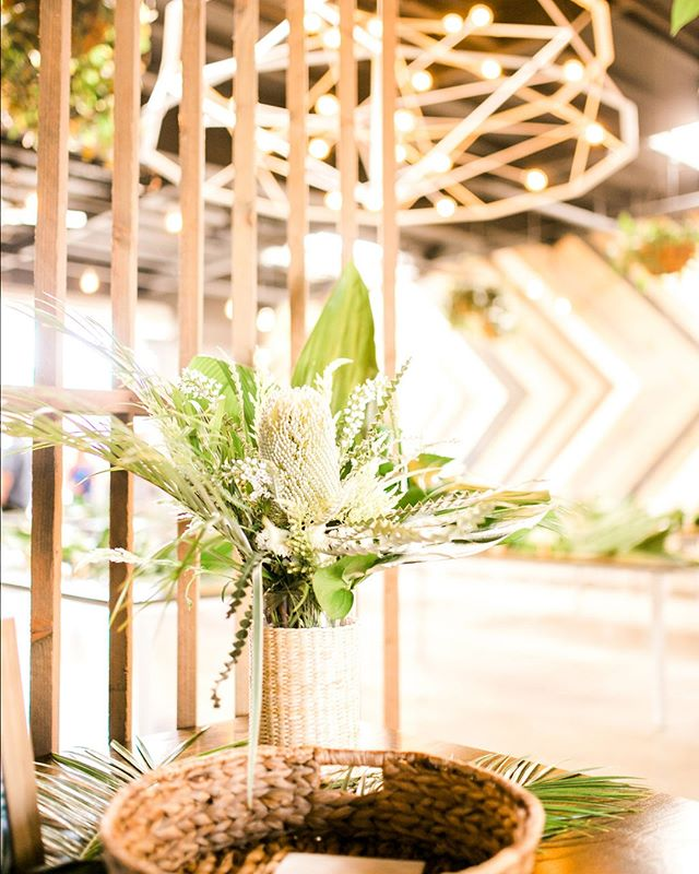 Wedding Details // Simple and beautiful setup to the reception entryway.⠀⠀⠀⠀⠀⠀⠀⠀⠀ 📷: @saraellenphotography ⠀⠀⠀⠀⠀⠀⠀⠀⠀ 🌿: @bloomprintflorals ⠀⠀⠀⠀⠀⠀⠀⠀⠀ .⠀⠀⠀⠀⠀⠀⠀⠀⠀ .⠀⠀⠀⠀⠀⠀⠀⠀⠀ .⠀⠀⠀⠀⠀⠀⠀⠀⠀ .⠀⠀⠀⠀⠀⠀⠀⠀⠀ .⠀⠀⠀⠀⠀⠀⠀⠀⠀ #sandiegowedding #sandiegobride #instawed #weddinginspo #sandiegoweddingvenue #weddingreception #sdweddingplanner⠀⠀⠀⠀⠀⠀⠀⠀⠀ #tropicalwedding #weddinginspiration⠀⠀⠀⠀⠀⠀⠀⠀⠀ #weddingflowers #weddingdesign⠀⠀⠀⠀⠀⠀⠀⠀⠀ #weddingday #weddingdecor #weddings⠀⠀⠀⠀⠀⠀⠀⠀⠀ #weddingdetails