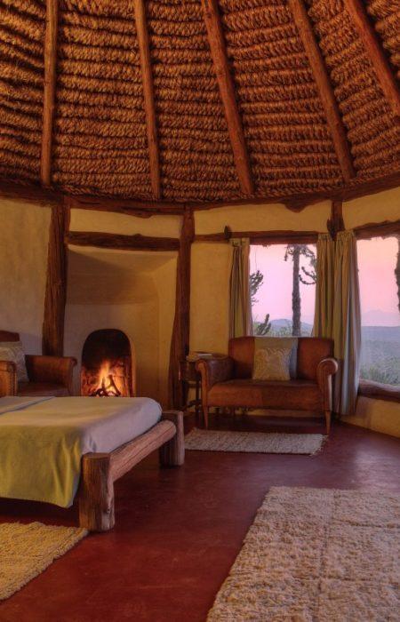 borana-lodge-room-2-large-450x700.jpeg