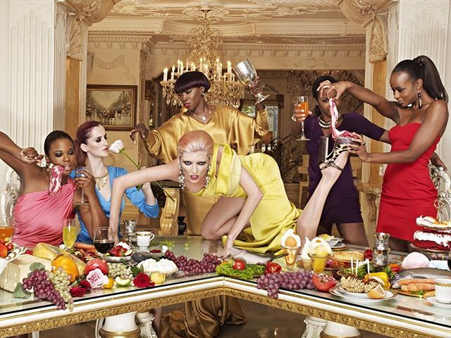 HAPPY BIRTHDAY @annaliesedayes !! Remember that time you put bacon 🥓 on my foot and I wore a fake bum while @estelledarlings drank wine!? Strange times....! #antm �