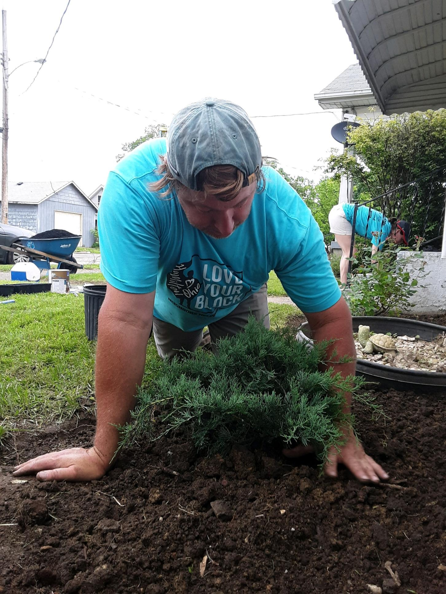 Community Partners - Andy Weltzer, owner of Lifestyle Landscaping Solutions, donated mulch, plant material, bushes, and volunteer labor to the Love Your Block projects.