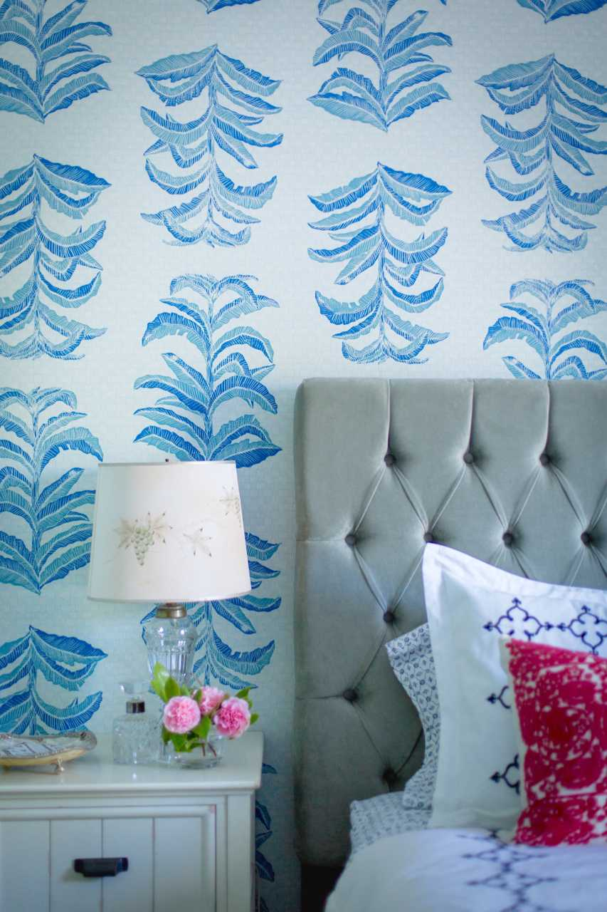 Banana Leaf Wallpaper in Sapphire, Interiors by Sharon Lee, Photo by Benjamin Hoffman