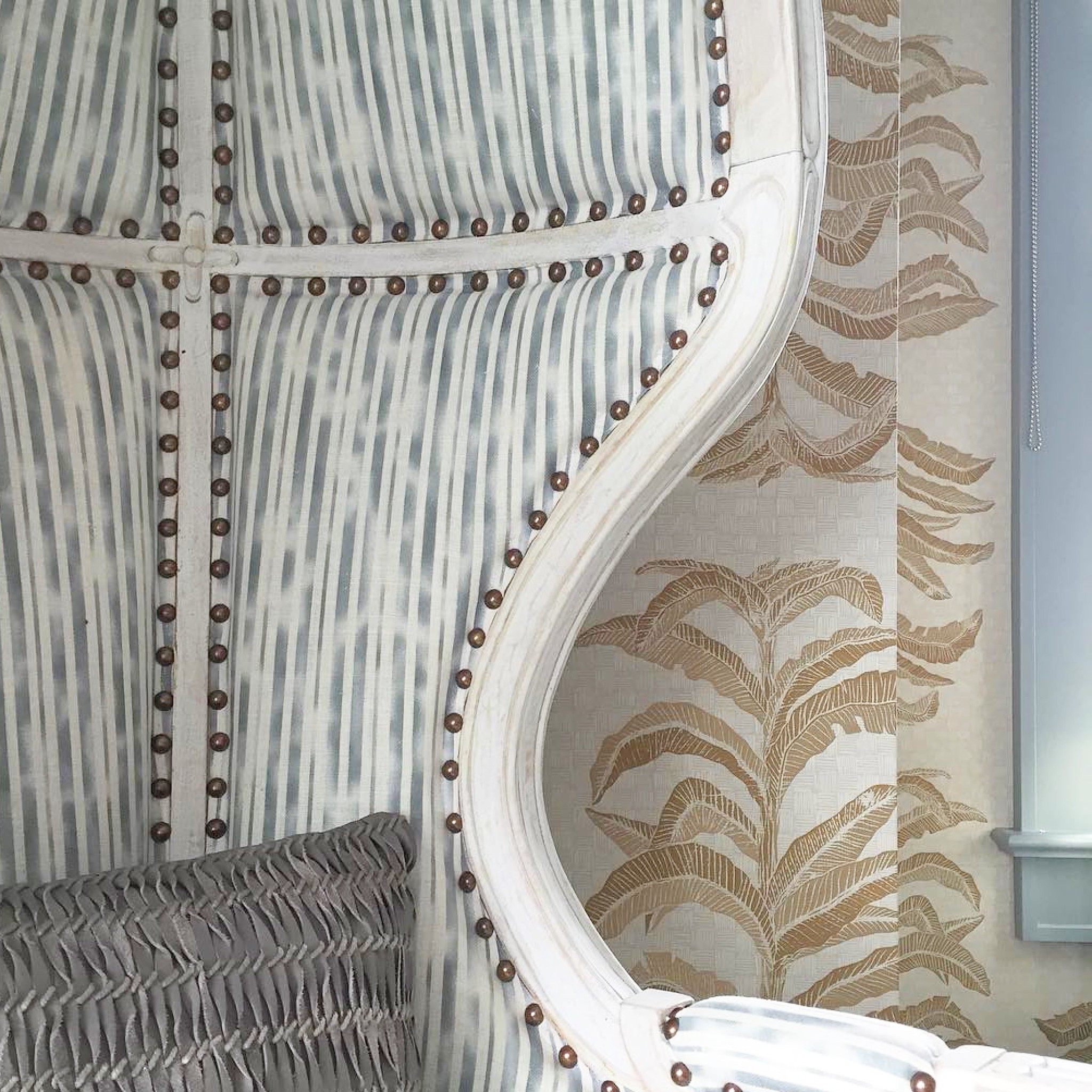 Banana Leaf Wallpaper in Gold, Interiors by Lucas Studio Inc., Photo by Karyn Millet