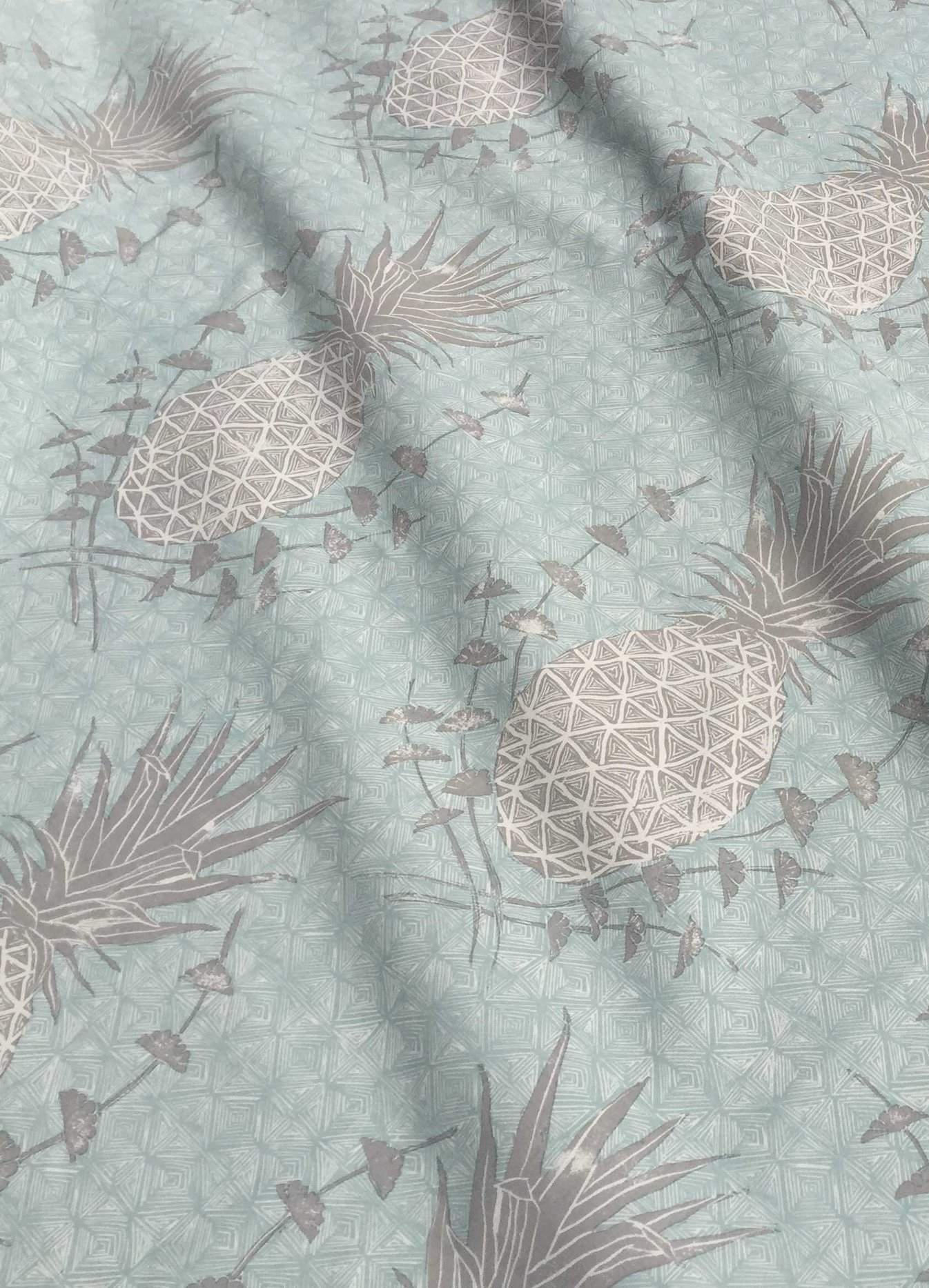 Royal Pineapple in Celadon, KF210-04