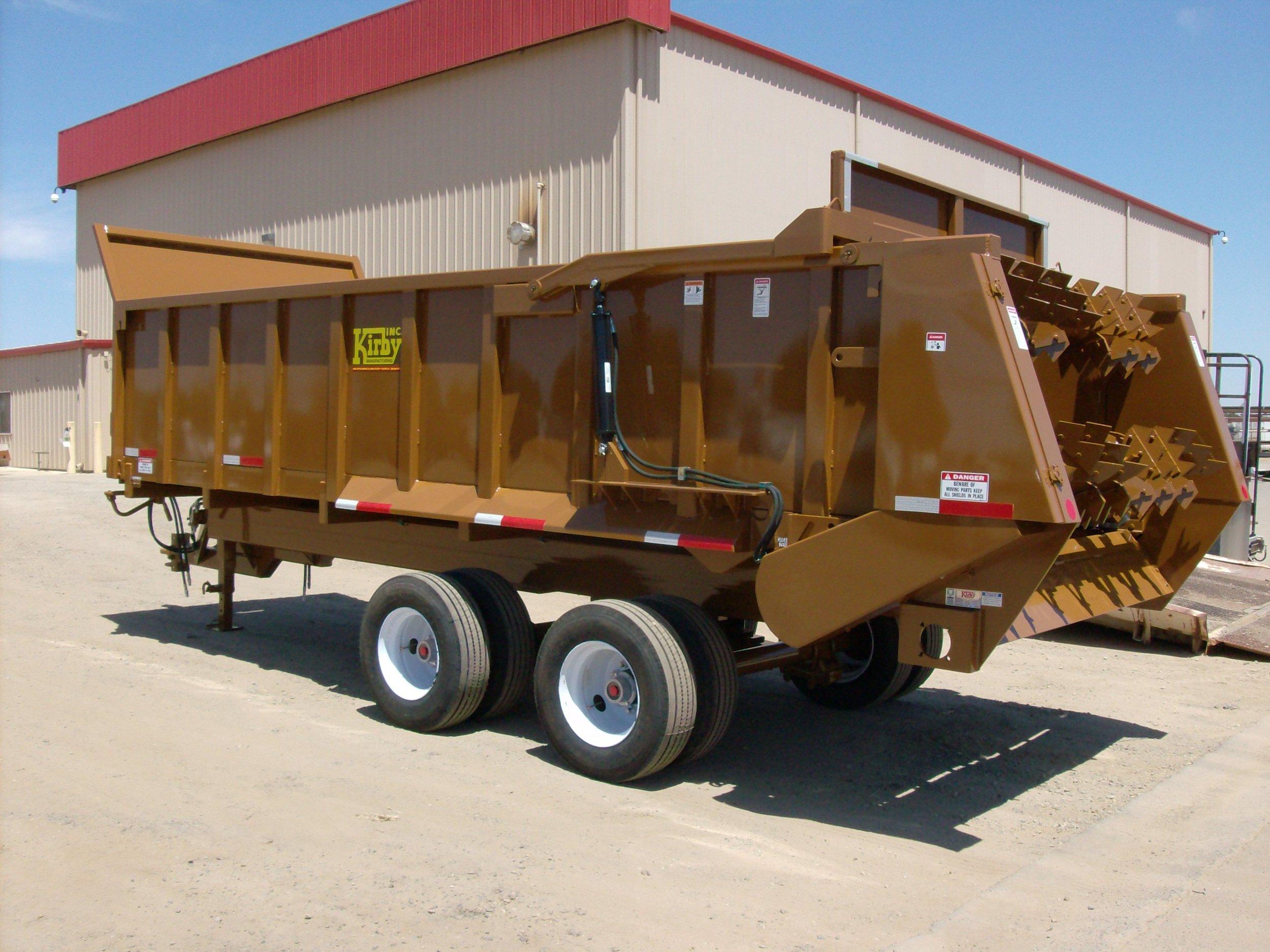 Manure spreader trailer horizontal beaters (5).JPG