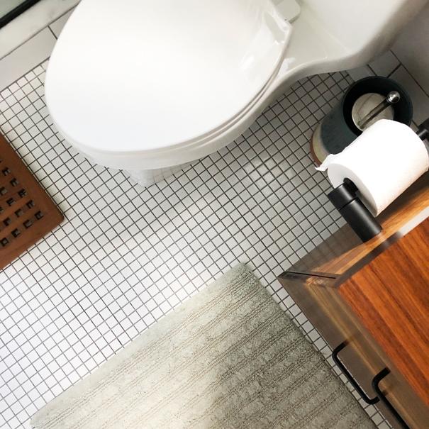 Floor tile -