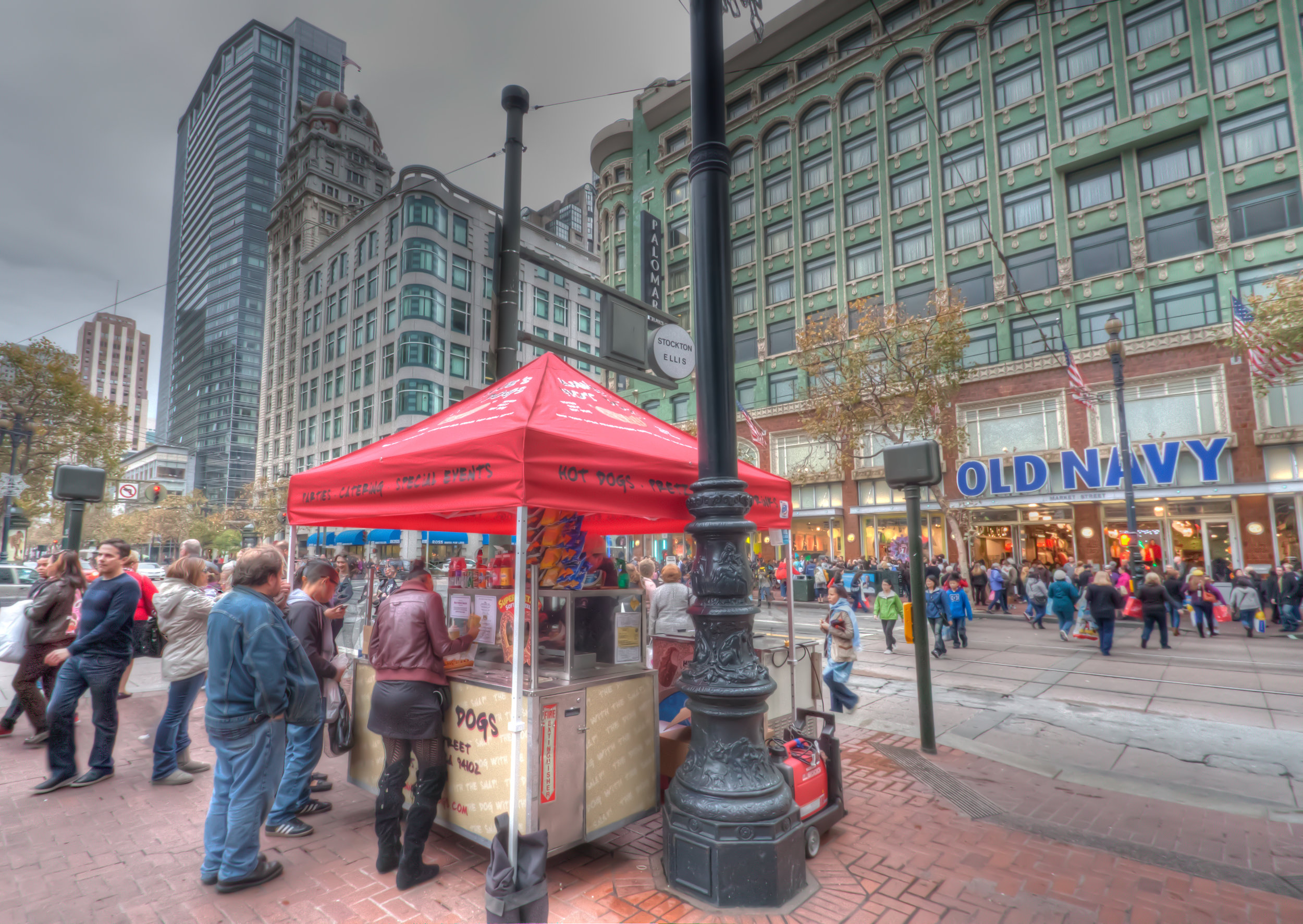 About Us - Started in 1983 by Cathy Schoop, Annie's Hot Dogs had some of the first food carts on the streets of San Francisco.