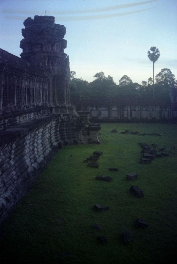 Angkor-Wat_004 (1).jpg