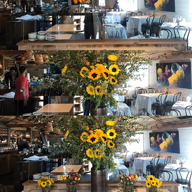 New flowers in action #valleyflora #inthedetails #angelerestaurant #vistnapavalley #downtownnapa #napaeats #eatersf #frenchbistro