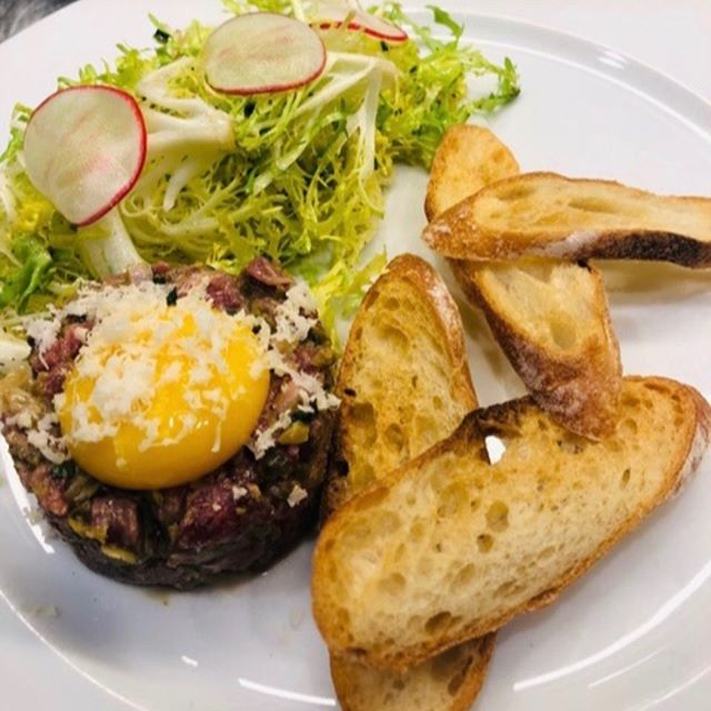 Classic Steak Tartar #frenchbistro #classicfrench #f2grams #lefooding #whattoeat #visitnapavalley #angelerestaurant #downtownnapa #napariverfront
