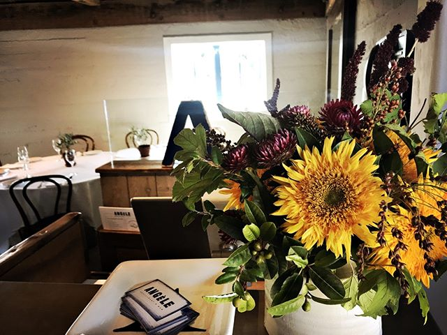 Thursday Flower Day #angelerestaurant #valleyflora #vistnapavalley #winecountry #donapa #inthedetails