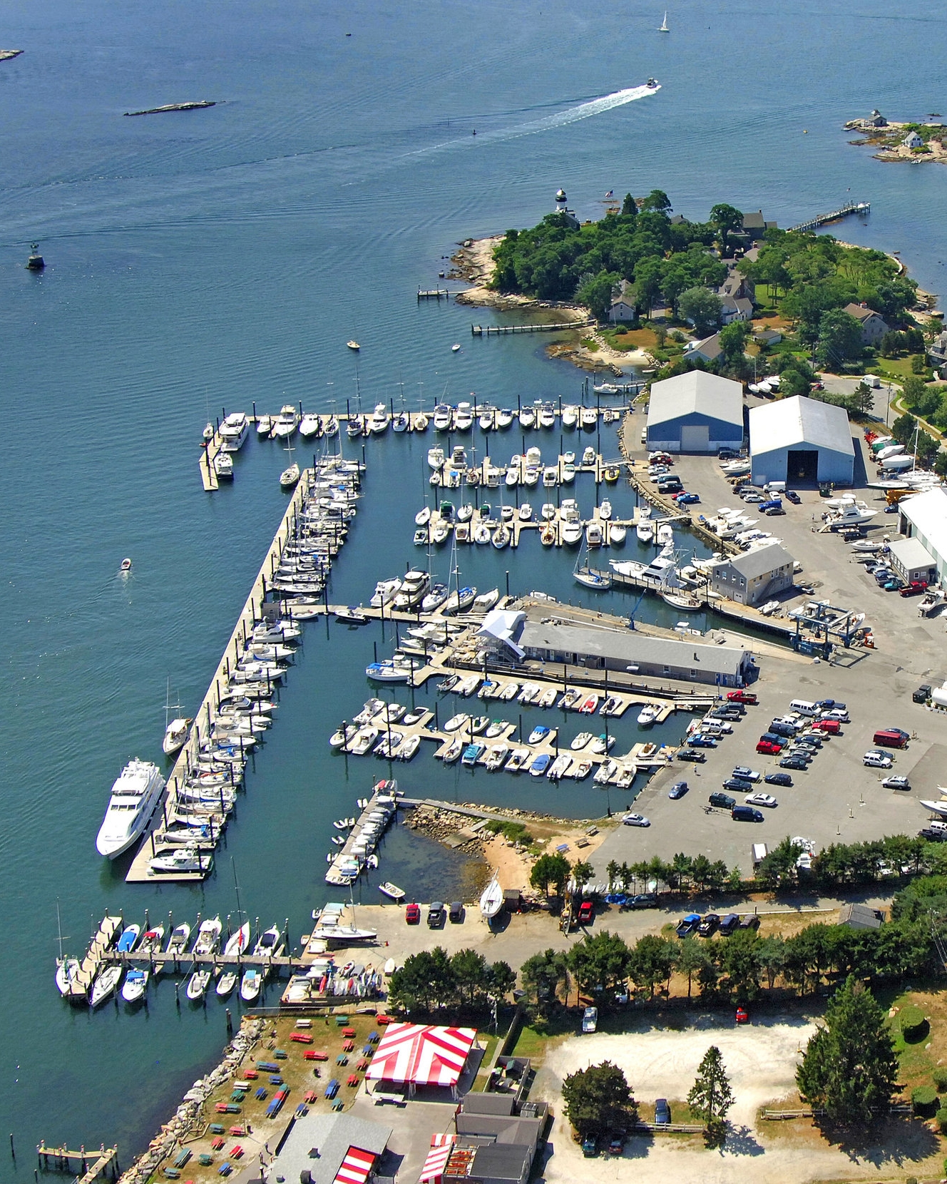 Marina - Nestled on the coastal community of Mystic, CT it should come as no surprise that Mystic Oil is the premier marketer of marine fuels on the shoreline, and nobody knows the game better than us. Boaters ourselves, Mystic offers ValvTect premium gas and diesel additives, as well as Shell and Gulf brands on the water.