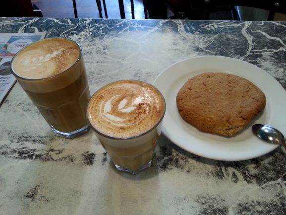 Flat White (and a cookie, of course!) at Midnight Espresso, Wellington (photo: Brent Petersen)