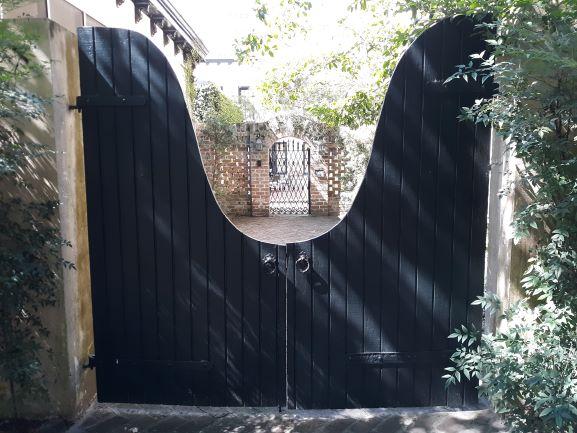 Courtyard in Savannah (photo: Brent Petersen)