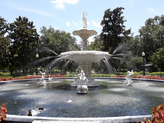 Fountain at Forsuth Park, Savannah (photo: Brent Petersen)
