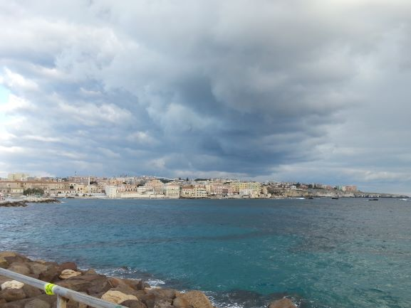 Storm's a brewin' over Siracusa (Photo: Brent Petersen)