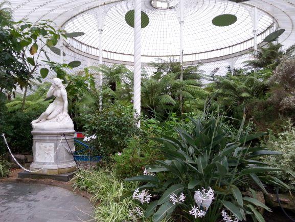 Kibble Palace at Glasgow Botanic Garden (Photo: Brent Petersen)