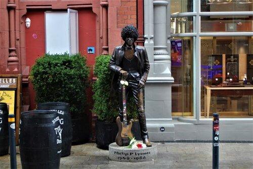 Phil Lynott statue in Dublin (photo: Brent Petersen)