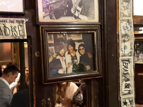 Yes, that's Phil Lynott in the center of the picture (photo: Brent Petersen)
