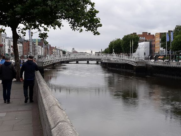 Ha'Penny Bridge, Dublin (photo: Brent Petersen)