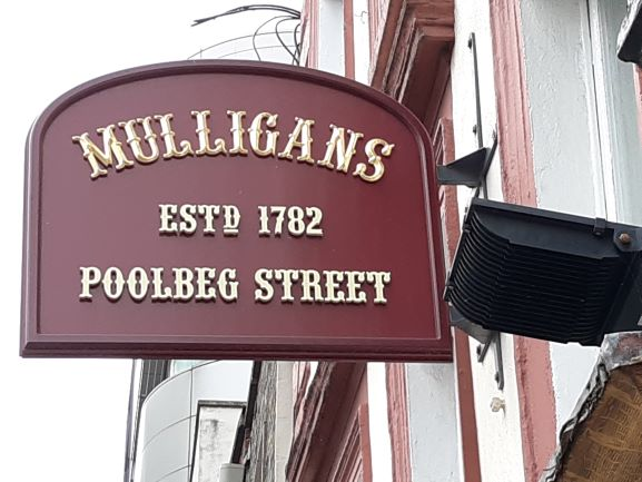 Mulligan's (photo: Brent Petersen)