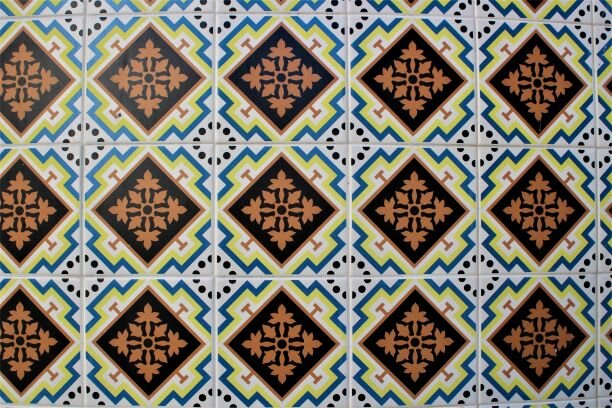 Tiles decorating a building in Porto (photo: Brent Petersen)