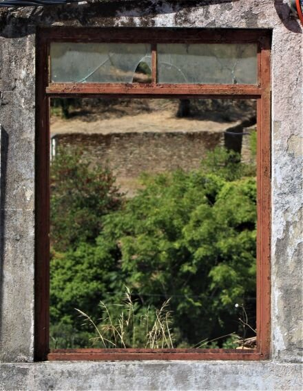 A window in Pinhão (photo: Brent Petersen)