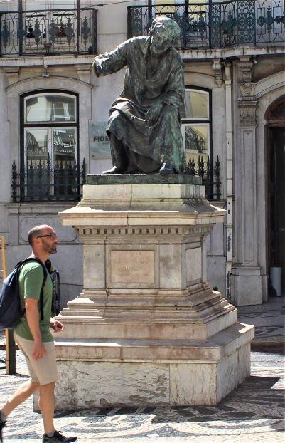 Statue of António Ribeiro in Chiado (Photo: Brent Petersen)