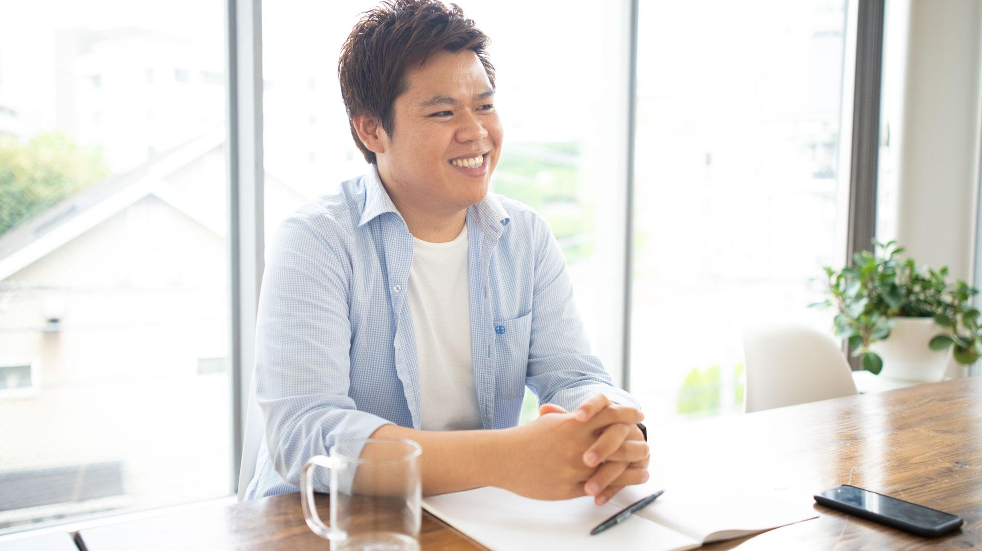 Sai Htaung Kham サイ・タウン・カン  グリニッジ大学のビジネスインフォメーションテクノロジー科を修了、ヤンゴンコンピュータ大学のコンピュータ科学科を優秀な成績で卒業。機械による視覚情報の認識・理解で世界を読み解くモデル構築に造詣が深く、現在はコンピュータービジョンを扱うAIエンジニアとしてZEPPELINに勤務。前職ではインフラエンジニアとして働き、サーバー、ネットワーク、ミドルウェアなどについて広範な知識を有する。