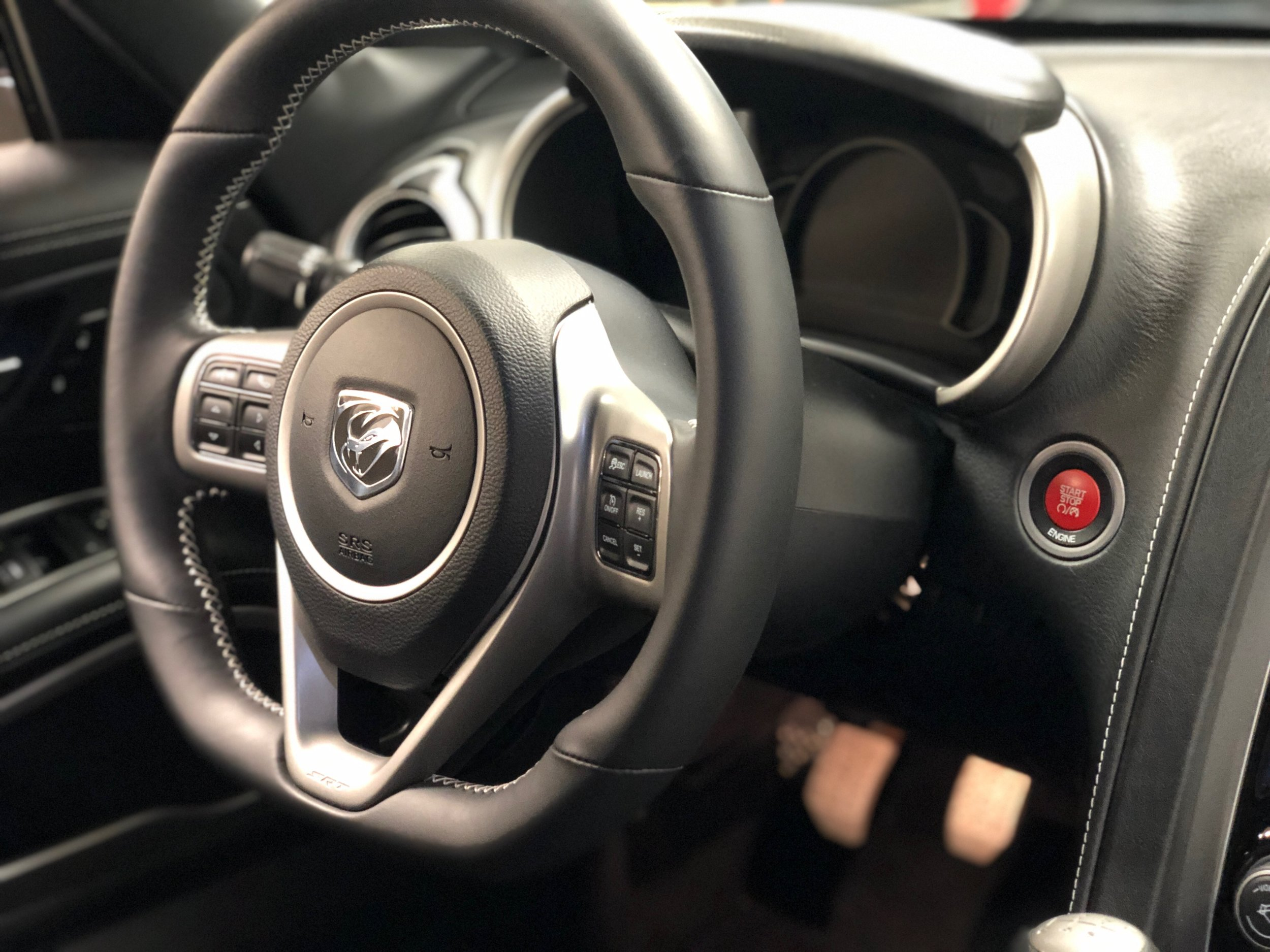 2014 Dodge Viper GTS  Steering