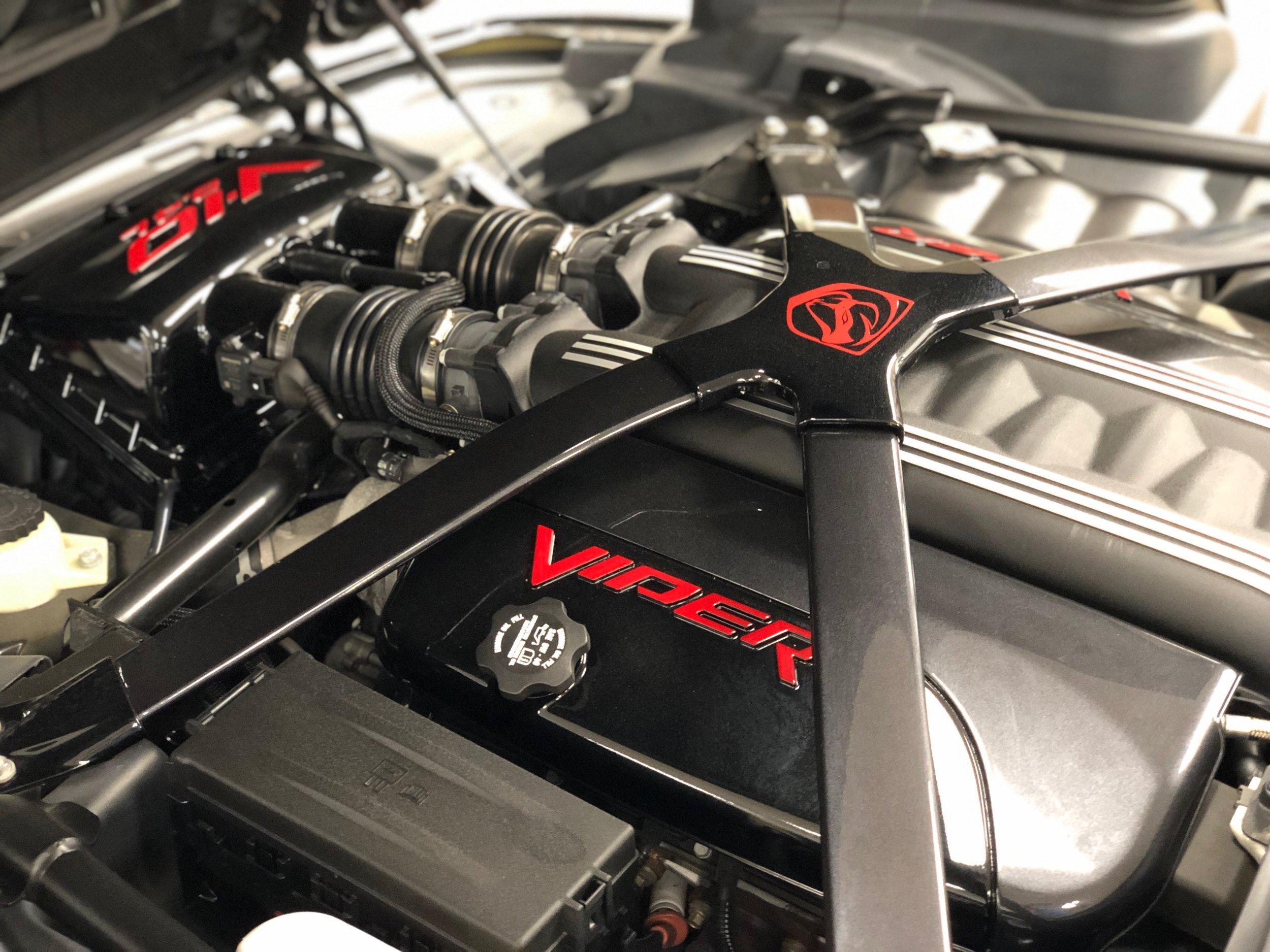 2014 Dodge Viper GTS  Engine