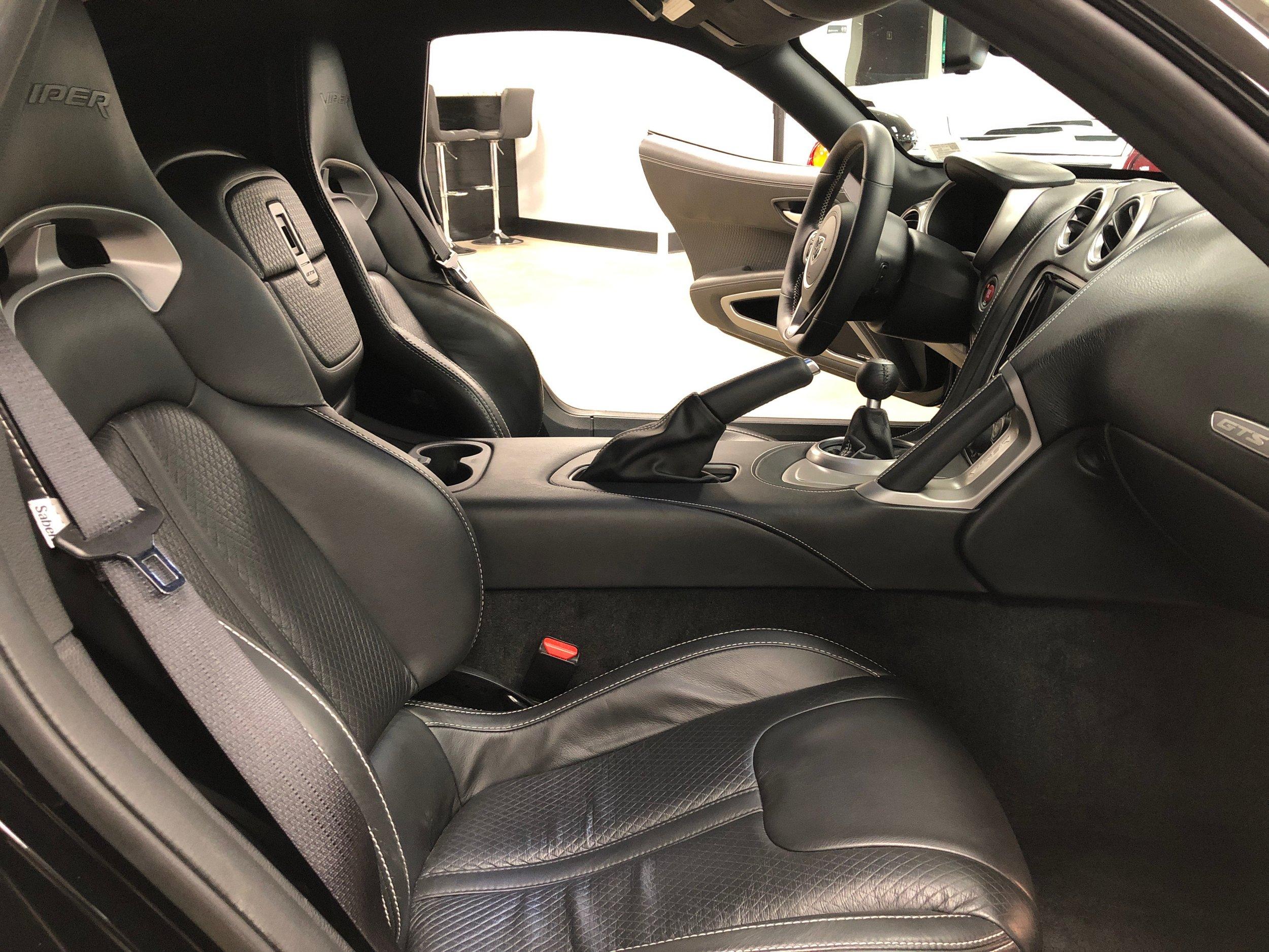2014 Dodge Viper GTS  Front Interior