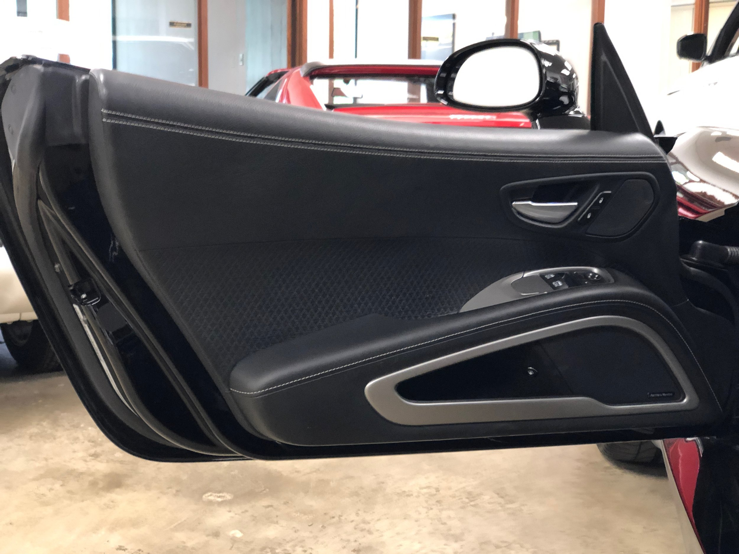 2014 Dodge Viper GTS  Door