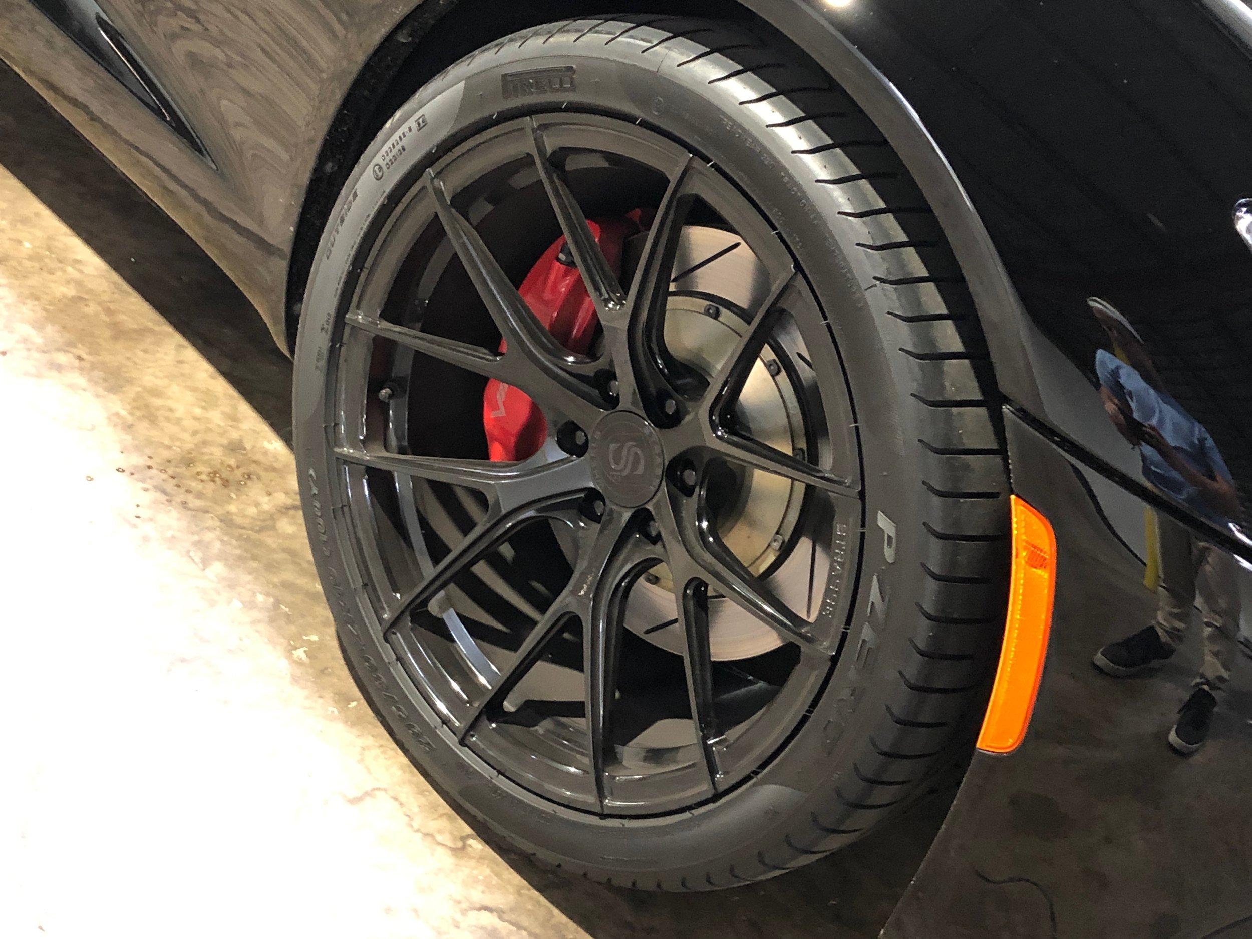 2014 Dodge Viper GTS Car Front Wheel