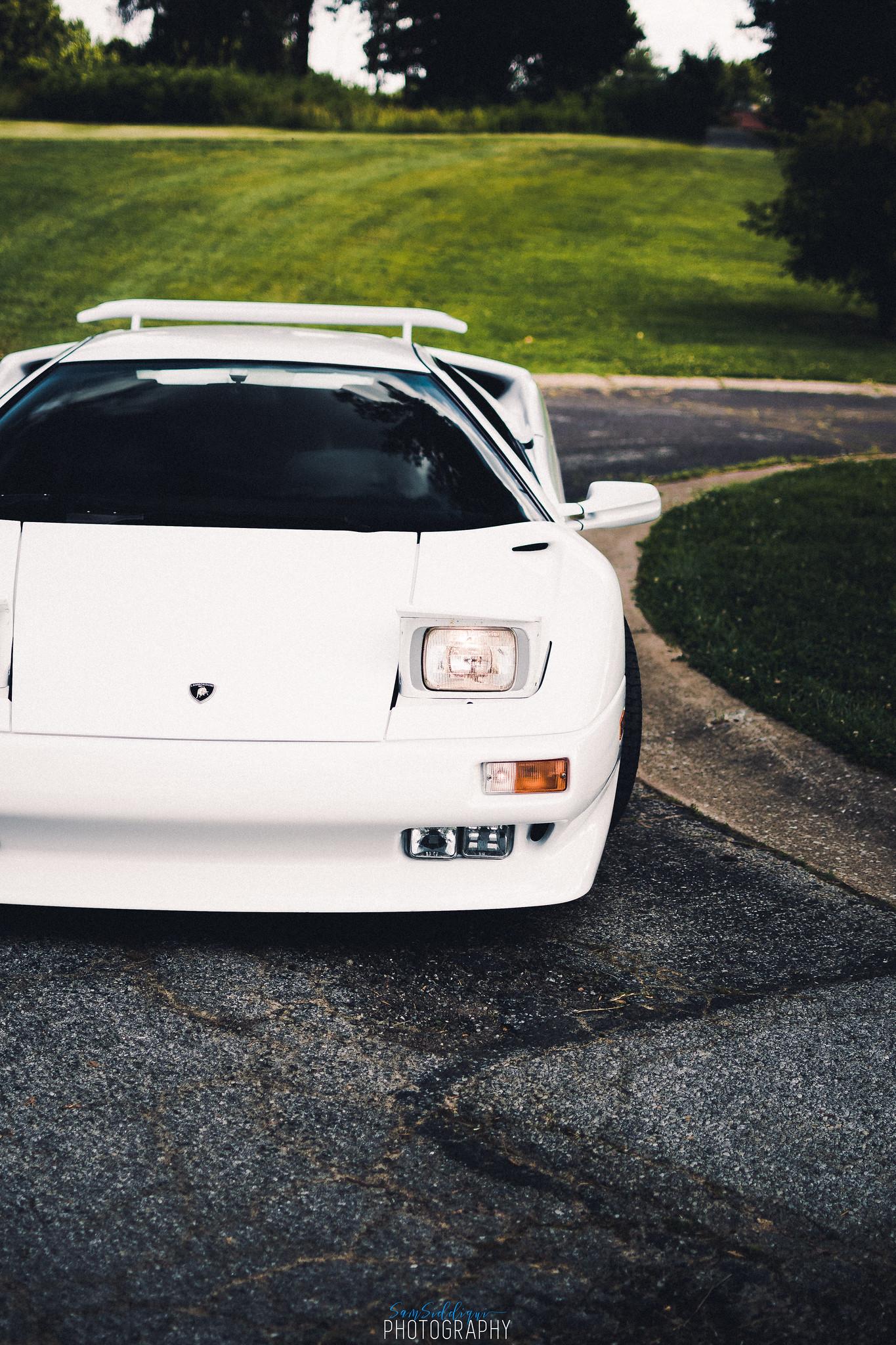 White Lamborghini Diablo Stl