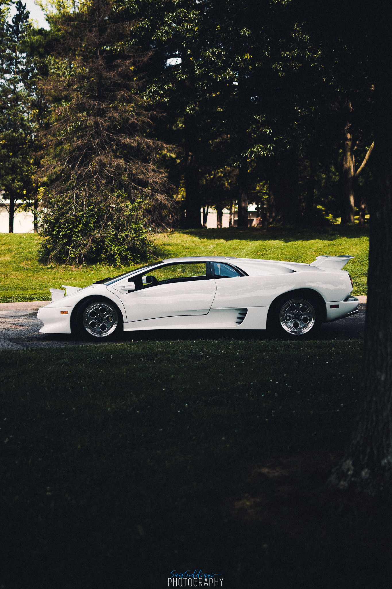 1991 White Lamborghini Diablo Side