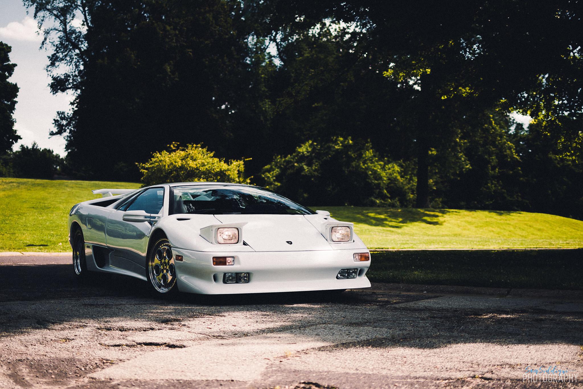 1991 White Lamborghini Diablo in Stl