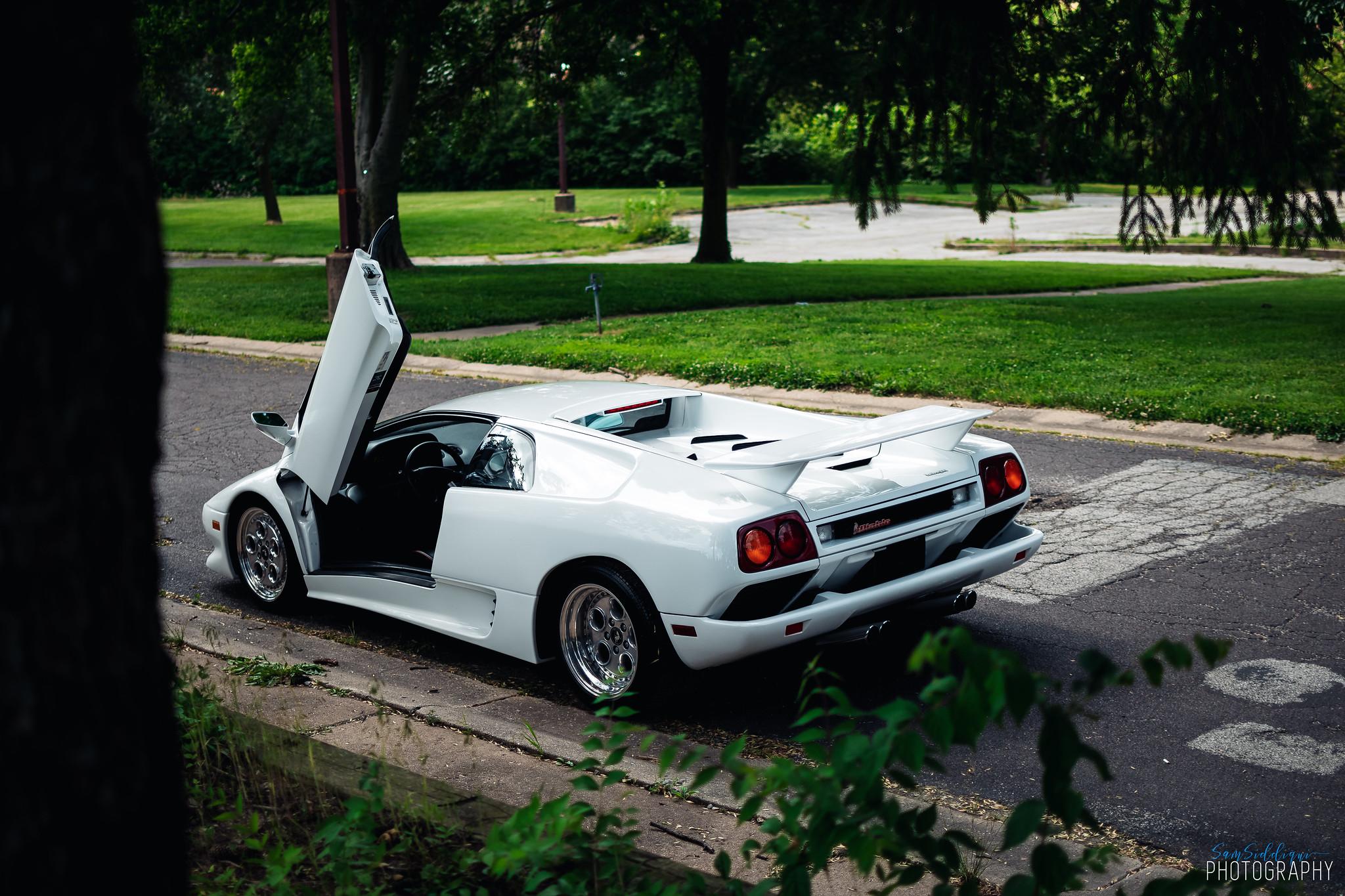 1991 White Lamborghini Diablo Opne door