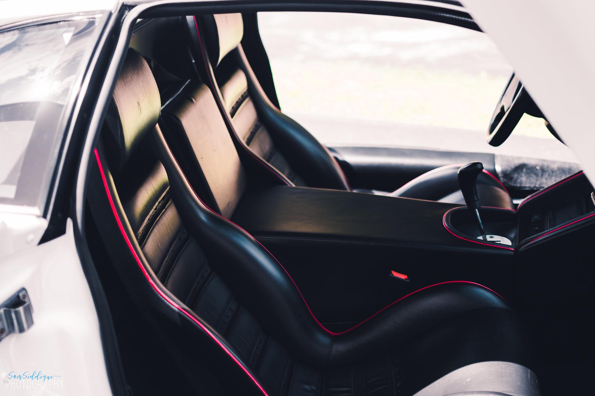 1991 White Lamborghini Diablo Seats