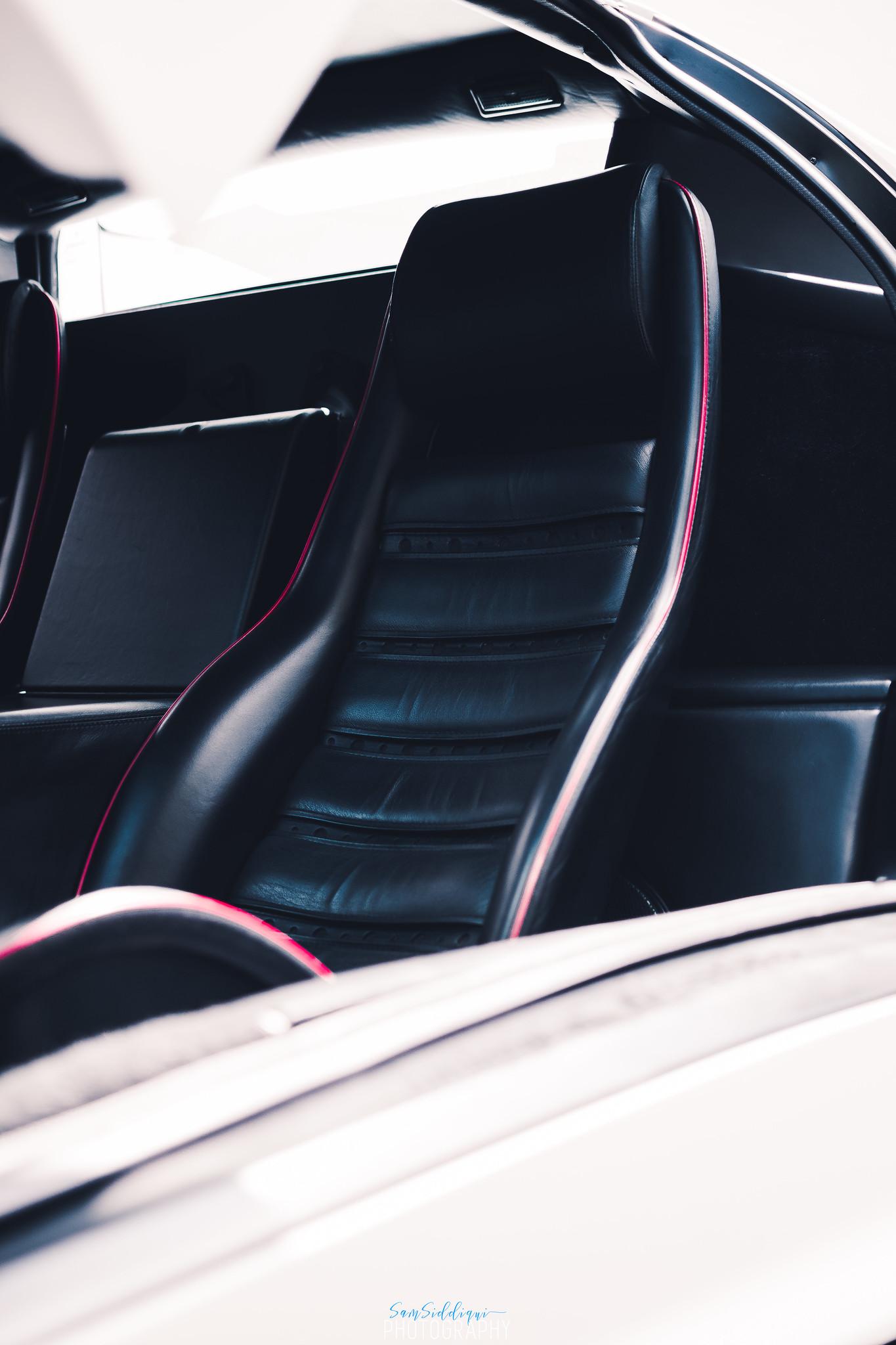 1991 White Lamborghini Diablo Seat