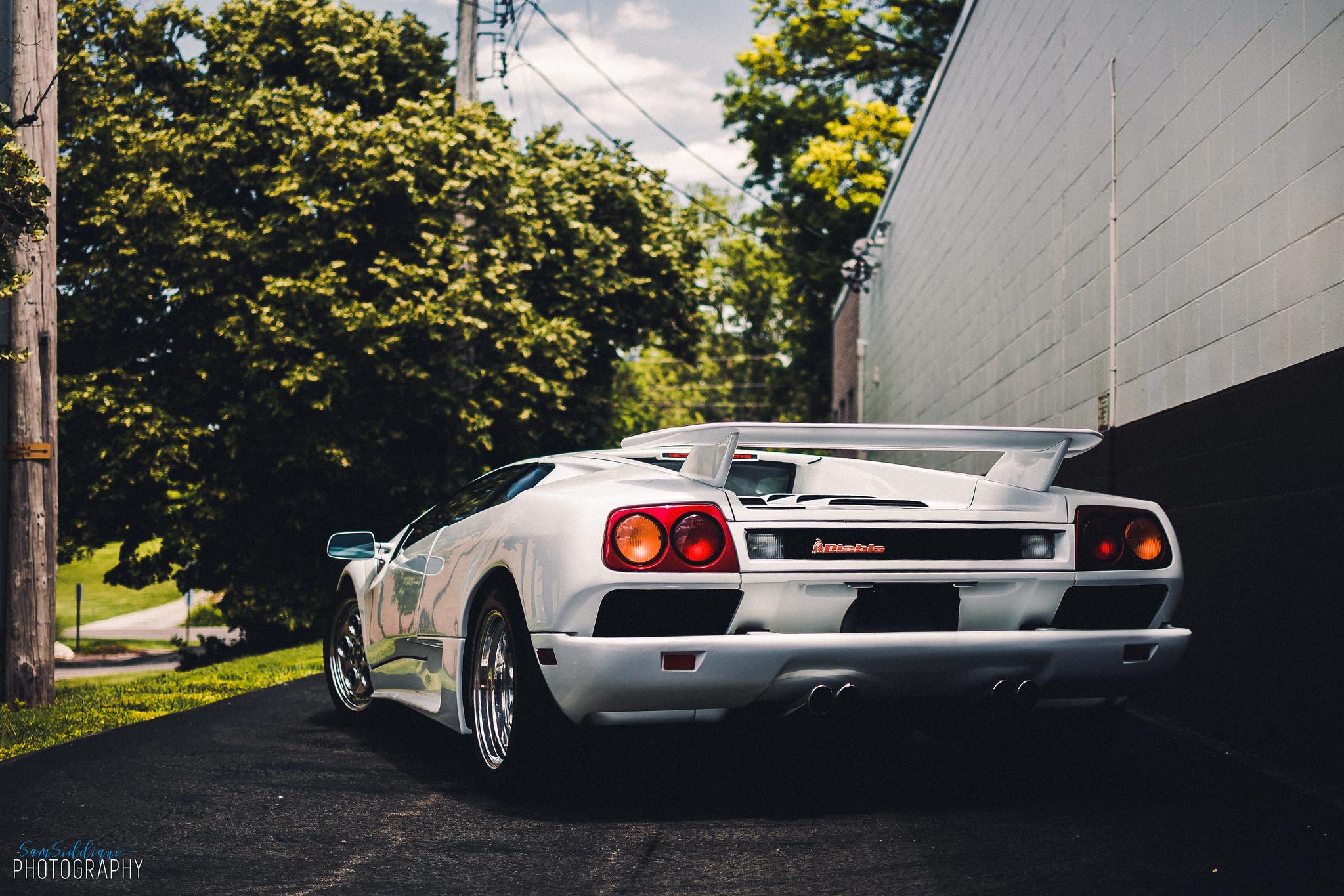 1991 White Lamborghini Diablo Back Side Lights