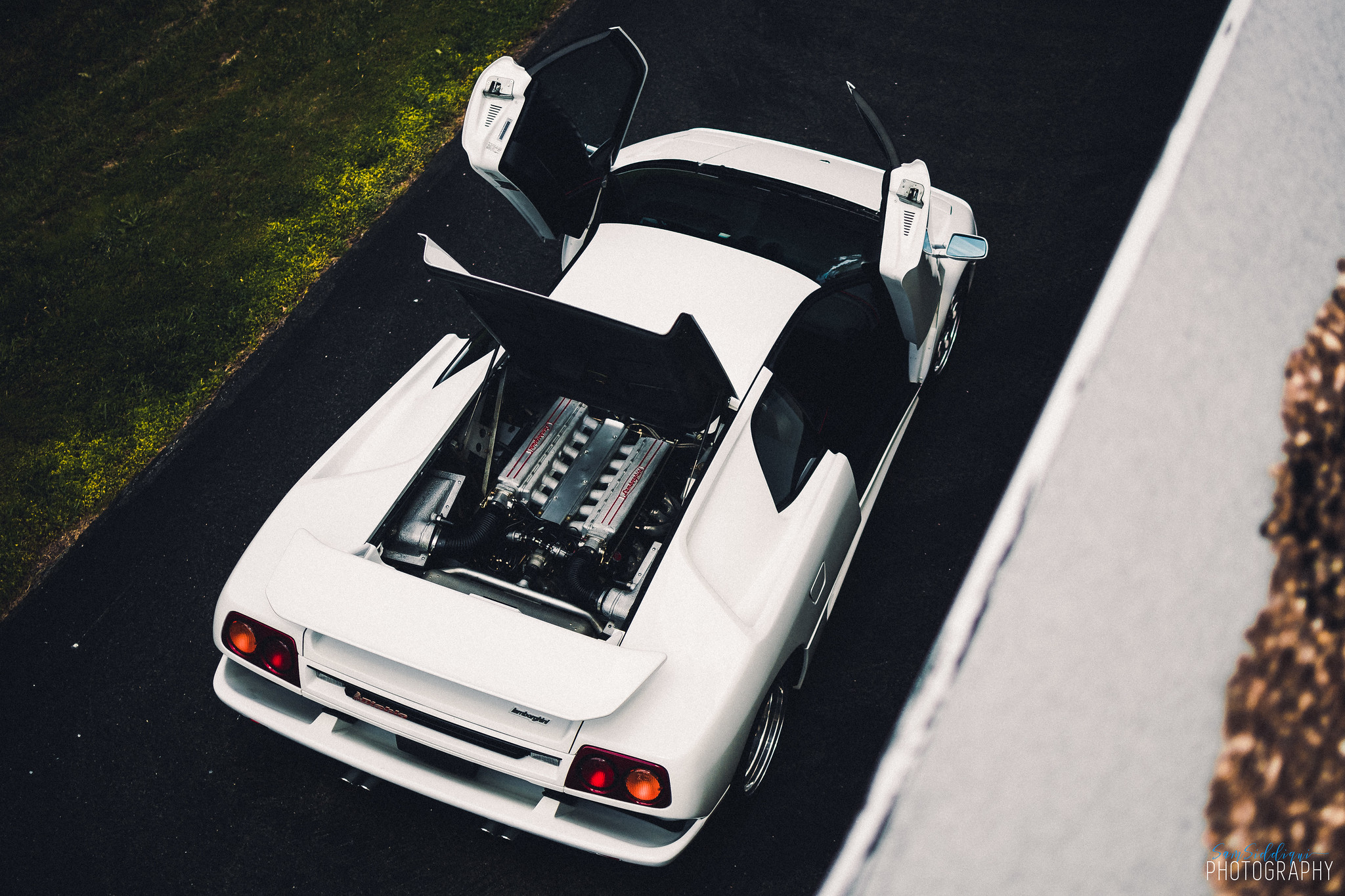 1991 White Lamborghini Diablo in St Louis