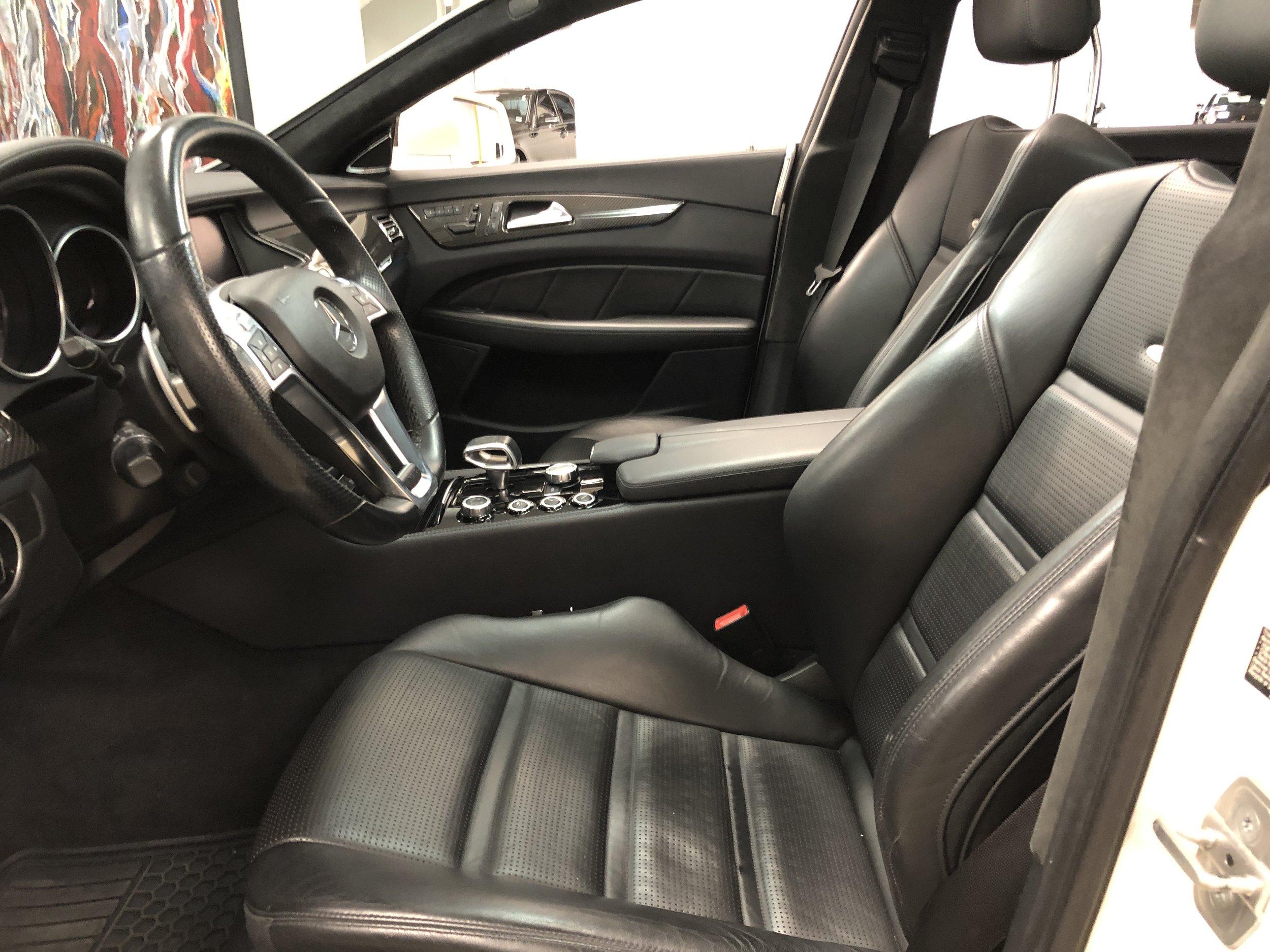 2012 Mercedes-Benz CLS 63 RENNTECH front Seats