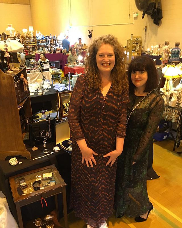 Y is for Yay!!! Outfit Vintage are on tour today at their first Antique Fair in Berkhamsted come and visit us and peruse our trinkets!  For personal styling and accessories please get in touch @outfitstylist  #outfitstylist #mensfashion #womensfashion #fashion #personalstylist #imageconsultant #stylist #antiques #vintage #vintagehandbags #vintagejewellery #accessories