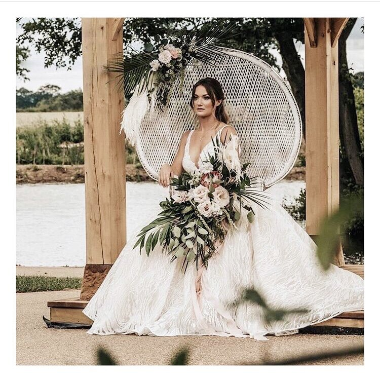 Dottie's Does Bridal… - Beautiful, bespoke & to suit every budget.